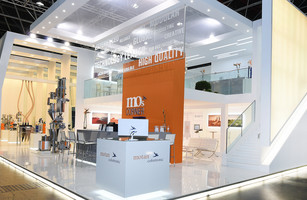 motan-colortronic Messestand Bild